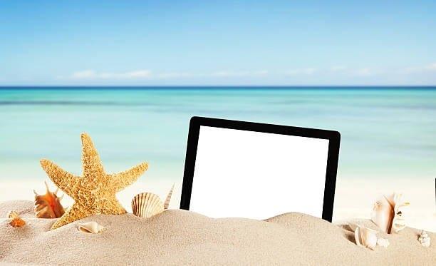¿Cómo gestionar las redes sociales en verano? Te damos 5 consejos