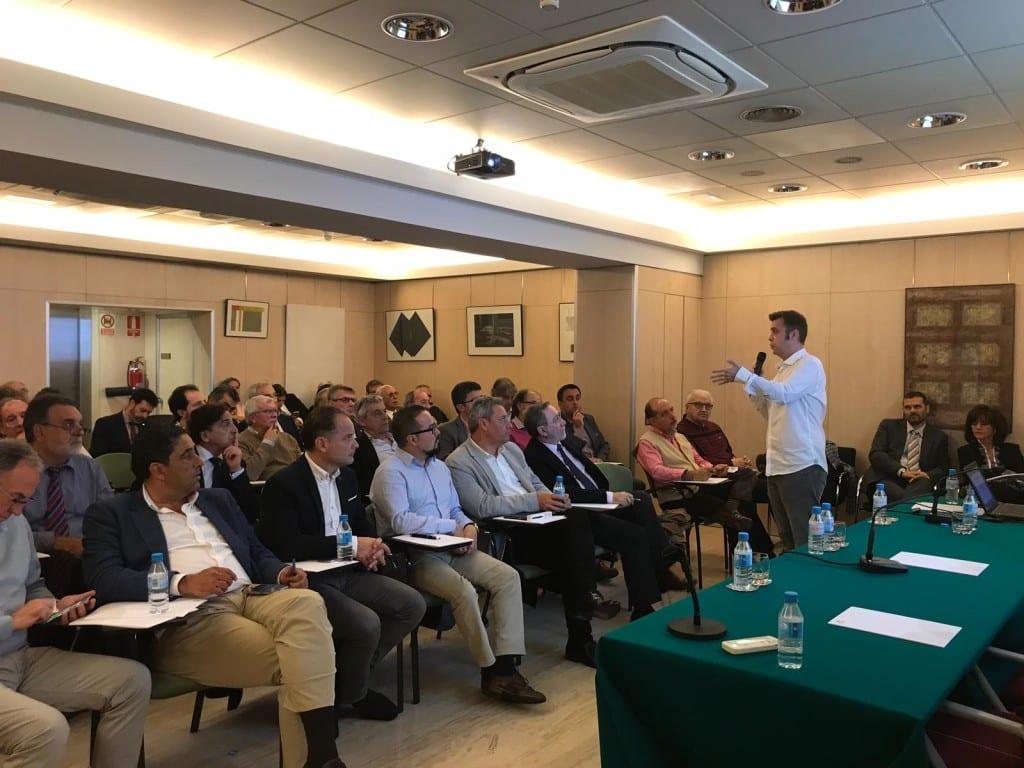 El CEO de Zip Zap, Borja Expósito, presenta el proyecto 'ATE' a los presidentes de todos los Colegios Profesionales de España de Arquitectura Técnica